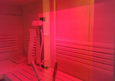 Rotlichttherapie_in_Sauna